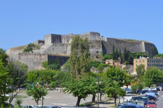 Corfu sightseeing Philoxenia hotel the New Venetian Fortress has a view of Corfu Old Town