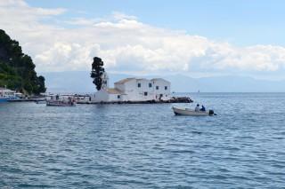 Corfu sightseeing Philoxenia hotel Pontikonissi Island